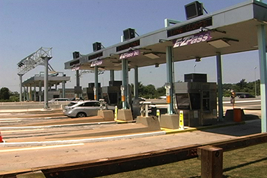 Newport-Bridge-toll-booths
