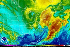 Historical false-color satellite image of a blizzard approaching Providence, Jan 27, 2015, that would dump 18-24 inches of snow with wind gusts exceeding 50MPH and sub-zero wind chill.