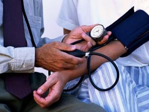 Blood_pressure_measurement_(2009)