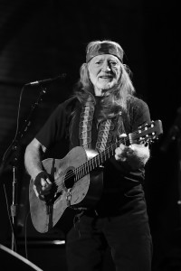Willie_Nelson_at_Farm_Aid_2009bw